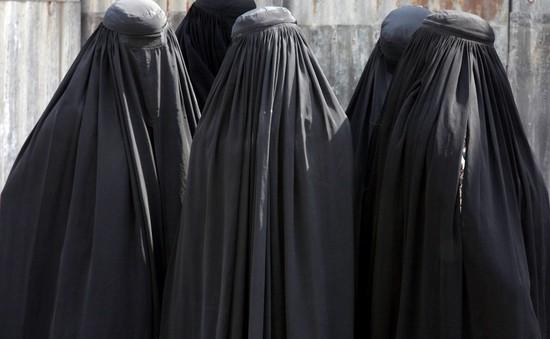 Morocco cấm trang phục burka