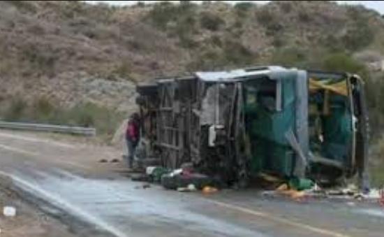 Tai nạn xe bus ở Chile, ít nhất 11 người thiệt mạng