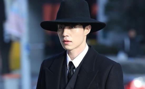 """Lee Dong Wook chia sẻ về chiếc mũ """"thần thánh"""" trong Goblin"""