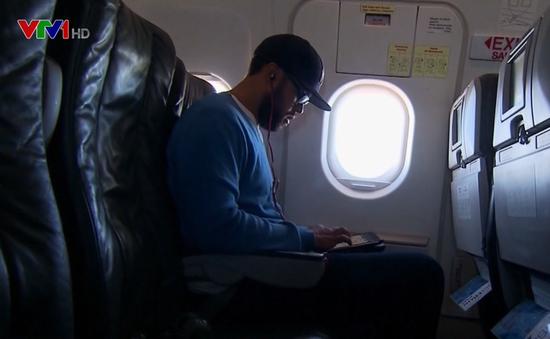 Mỹ dỡ bỏ lệnh cấm mang laptop lên máy bay của hãng Etihad