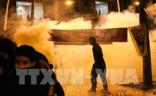 Cảnh sát Pháp bắt giữ thêm nhiều người biểu tình quá khích