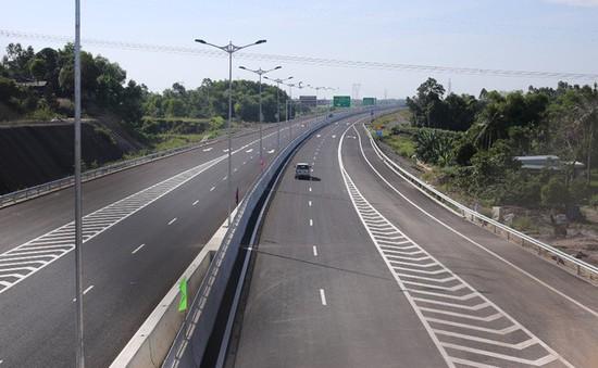 Yêu cầu đẩy nhanh tiến độ, bảo đảm chất lượng dự án cao tốc Đà Nẵng - Quảng Ngãi