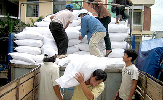 Xuất cấp gạo cho các tỉnh bị thiệt hại do mưa lũ