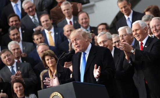 Thông qua Dự luật cắt giảm thuế kỷ lục: Thắng lợi lập pháp lớn của phe Cộng hòa