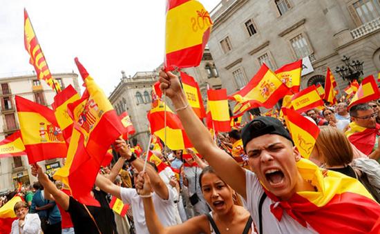 Tuần lễ quyết định đối với khủng hoảng tại Catalonia và Tây Ban Nha