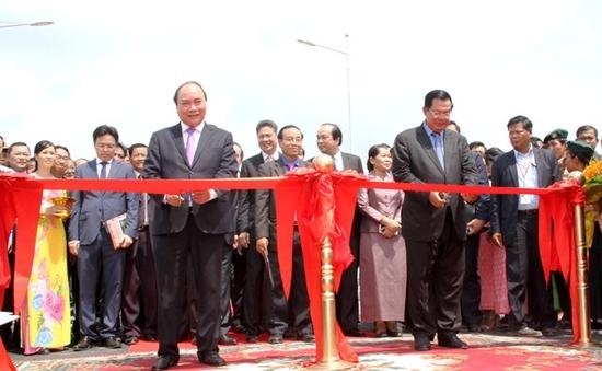 Khánh thành cầu Long Bình - Chrey Thom nối tỉnh An Giang (Việt Nam) và Kandal (Campuchia)