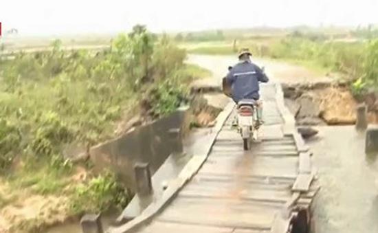 Bất an từ những cây cầu tạm sau lũ