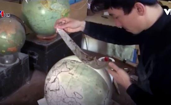 Làm quả địa cầu bằng… tay