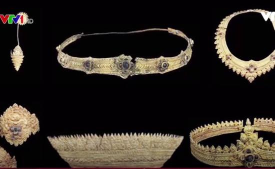 Campuchia tiếp nhận bộ trang sức cổ bằng vàng từ thời Angkor