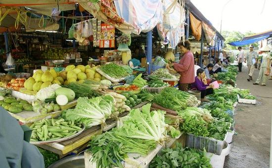 Đảm bảo vệ sinh an toàn thực phẩm gia đình mùa mưa lũ