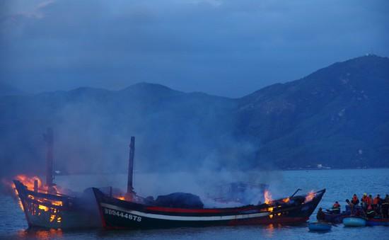 Cháy 3 tàu cá ở Bình Định, thiệt hại 30 tỷ đồng