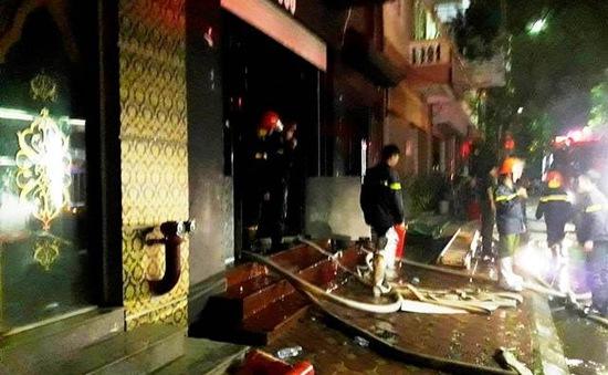 Khống chế đám cháy lớn tại quán karraoke ở Bắc Từ Liêm, Hà Nội