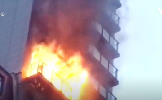 Hỏa hoạn tại tòa nhà 12 tầng ở Manchester, Anh
