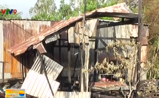 An Giang: Chập điện gây hỏa hoạn thiêu rụi 2 căn nhà liền kề