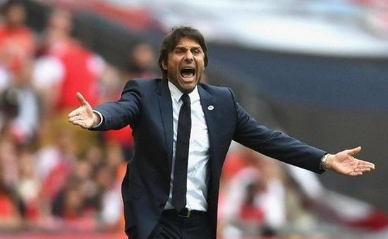 """Chelsea """"nóng mặt"""" vì thái độ của Conte"""