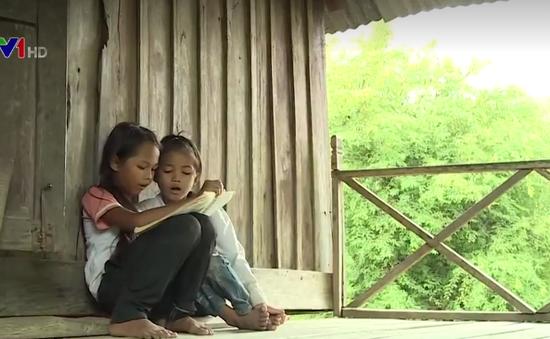 Cặp lá yêu thương: Khát khao đi học của 2 chị em người M'Nông
