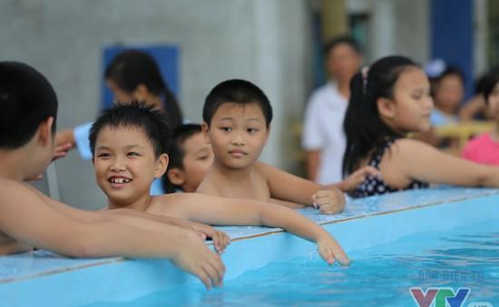 TP.HCM sẽ phổ cập bơi cho học sinh mầm non