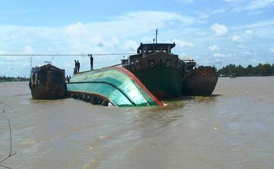Chìm sà lan trên sông Krông Ana, 2 phụ nữ thiệt mạng