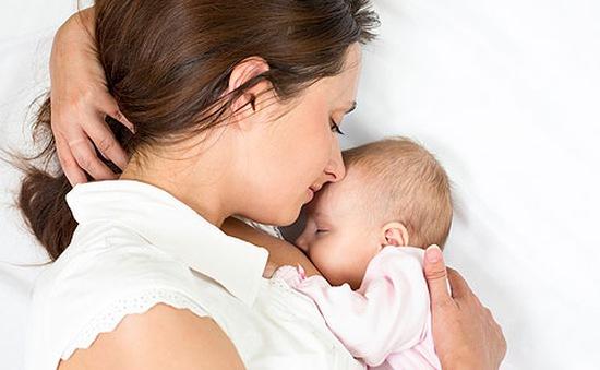 Chỉ 20% trẻ sơ sinh ở Trung Quốc được bú mẹ hoàn toàn trong 6 tháng đầu đời