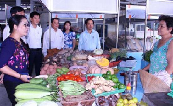 Chợ an toàn thực phẩm đầu tiên của tỉnh Vĩnh Long đi vào hoạt động