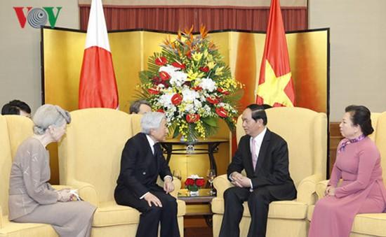 Chủ tịch nước giới thiệu nét văn hóa đặc sắc của Huế với Nhà vua Nhật Bản
