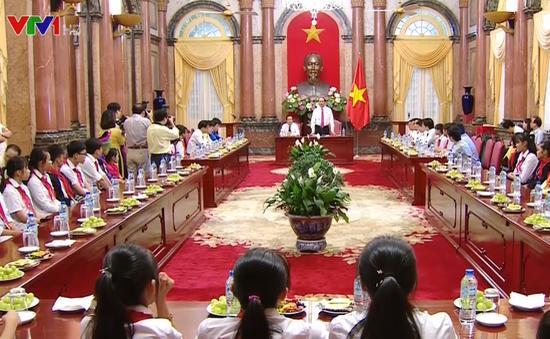 Chủ tịch nước gặp mặt 58 trẻ em có hoàn cảnh đặc biệt, khó khăn