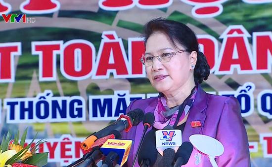 Chủ tịch Quốc hội dự Ngày hội đại đoàn kết toàn dân tộc tại Hòa Bình