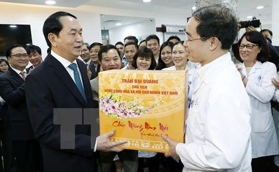 Chủ tịch nước thăm các lực lượng trực Tết