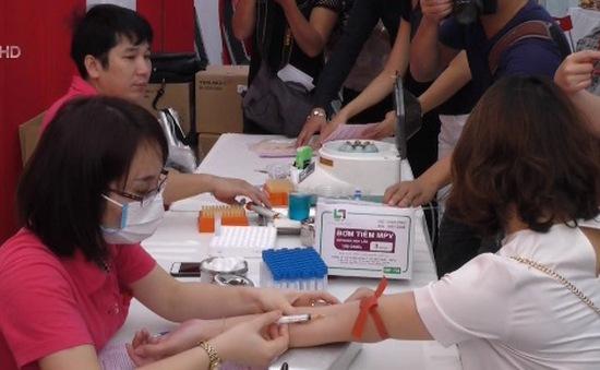 500 bạn trẻ tham gia Ngày Chủ nhật đỏ tại Viện Huyết học - Truyền máu TƯ