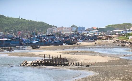 Ngư dân Quảng Ngãi gặp khó vì cửa biển bị bồi lấp