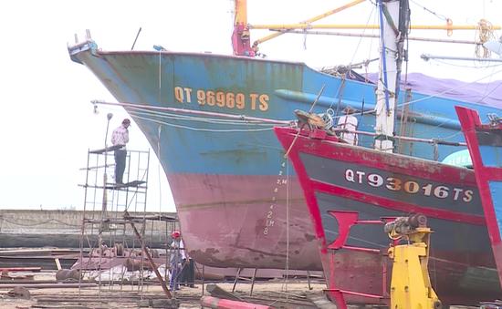 Ngư dân Quảng Trị gặp khó khăn trong bảo dưỡng tàu vỏ thép
