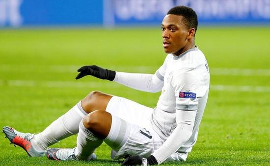 """""""Bão chấn thương"""" càn quét, Man Utd mất 7 trụ cột"""