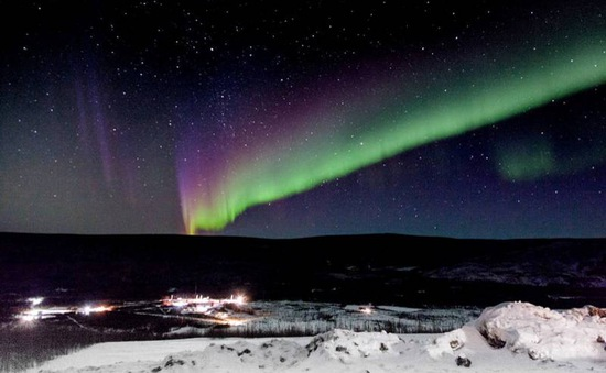 Hình ảnh cực quang tuyệt đẹp chụp từ vũ trụ