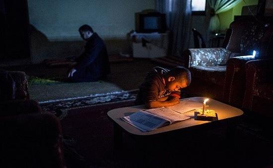Israel giảm nguồn cung điện cho Gaza