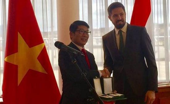 Đại sứ Nguyễn Thanh Tuấn được trao huân chương nhà nước Hungary