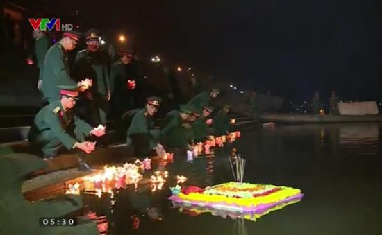 """""""Đêm hoa đăng"""" tri ân trên dòng sông Thạch Hãn"""