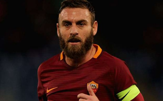 """Hậu chia tay Totti, Roma giữ chân """"công thần"""" Rossi"""