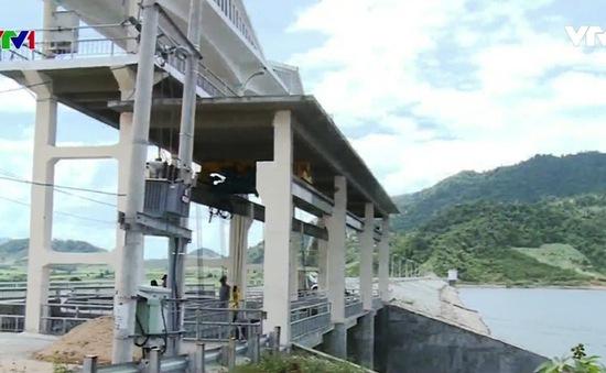 Phú Yên: 2 xã bị ngập vì 3 thanh niên say rượu mở van xả hồ chứa