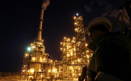 OPEC có thể gia hạn thỏa thuận cắt giảm sản lượng sang năm 2018