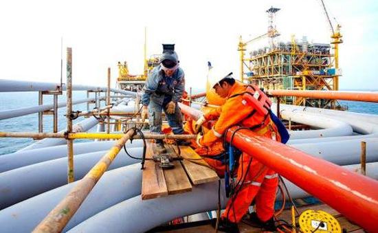 Doanh thu ngành dầu khí vượt 14% kế hoạch