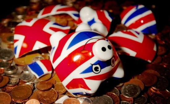 50% số người trưởng thành tại Anh có nguy cơ gặp rắc rối tài chính