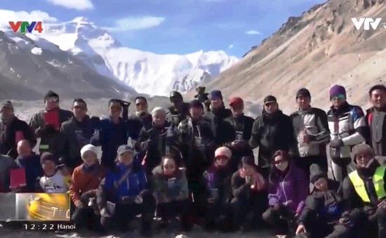 Đoàn xe moto Việt Nam đầu tiên chinh phục Tây Tạng