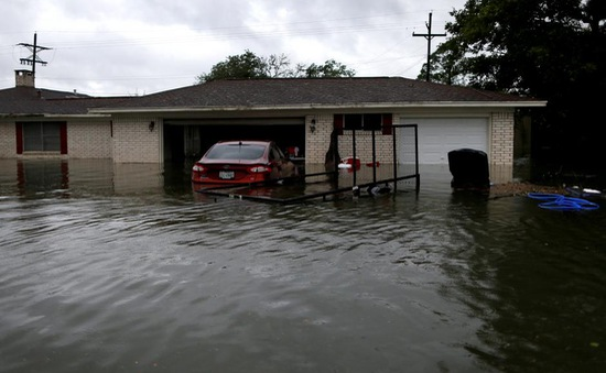 Mỹ và Mexico chuẩn bị ứng phó những cơn bão mới