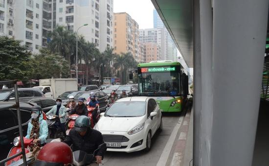 Xử lý nghiêm các trường hợp lấn làn xe bus BRT