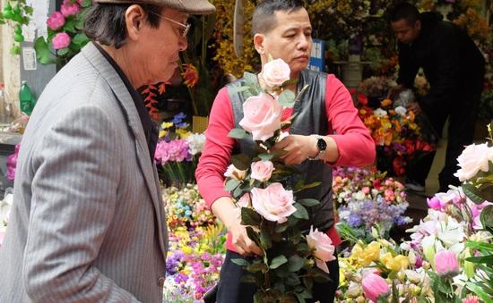 Giá hoa tươi tăng mạnh dịp Tết