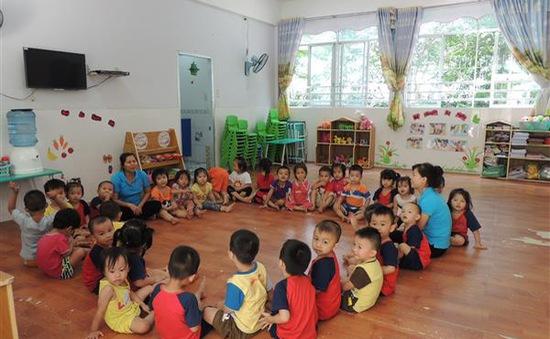 TP.HCM thêm 2 quận, huyện giữ trẻ ngoài giờ cho con công nhân