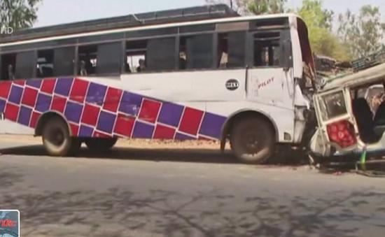 Ấn Độ: Xe jeep đụng xe bus, ít nhất 9 người thiệt mạng
