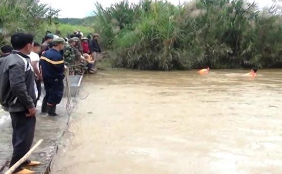 Lâm Đồng: Khẩn trương tìm kiếm nạn nhân bị nước cuốn mất tích