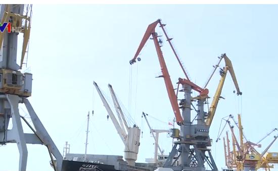 Kết nối đường sắt vào cảng Hải phòng: vừa thiếu, vừa yếu