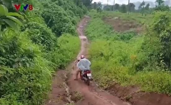 Tiềm ẩn nguy cơ tai nạn trên tuyến đường biên giới Quảng Trị